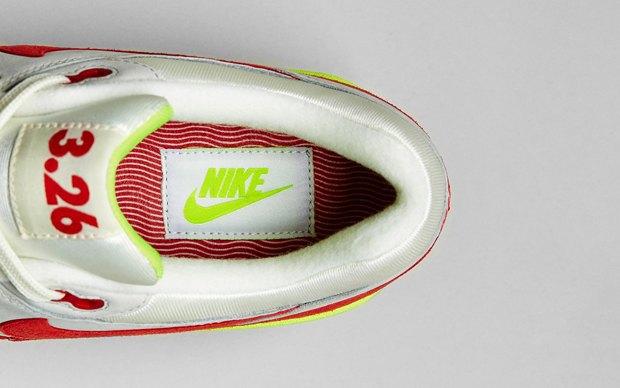 Nike выпустили новую модель сникеров в честь 27-летия кроссовок Air Max. Изображение № 8.