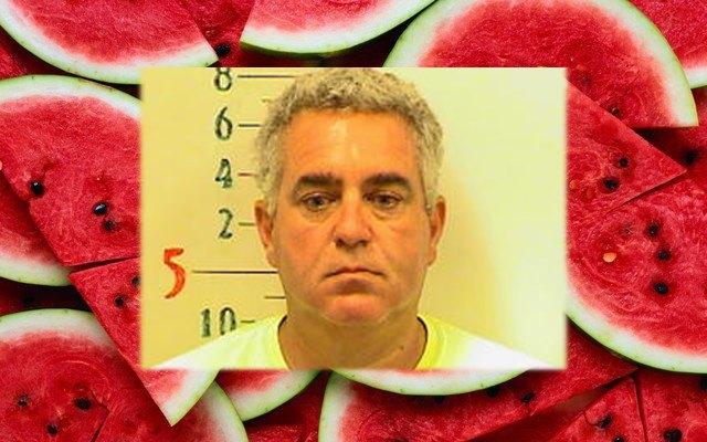 В США мужчину арестовали за разрезание арбуза. Изображение № 1.