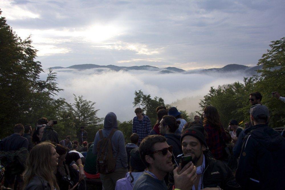 Фотопроект: Как британцы бегут от цивилизации на фестиваль в лесах Болгарии. Изображение № 23.