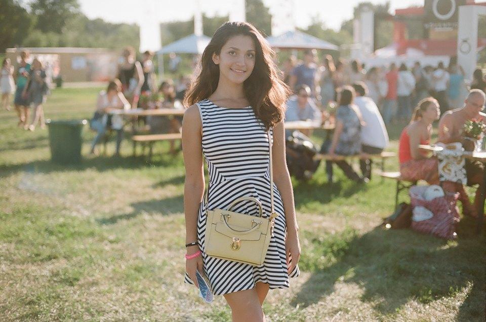 Красивые девушки на Пикнике «Афиши». Изображение № 21.