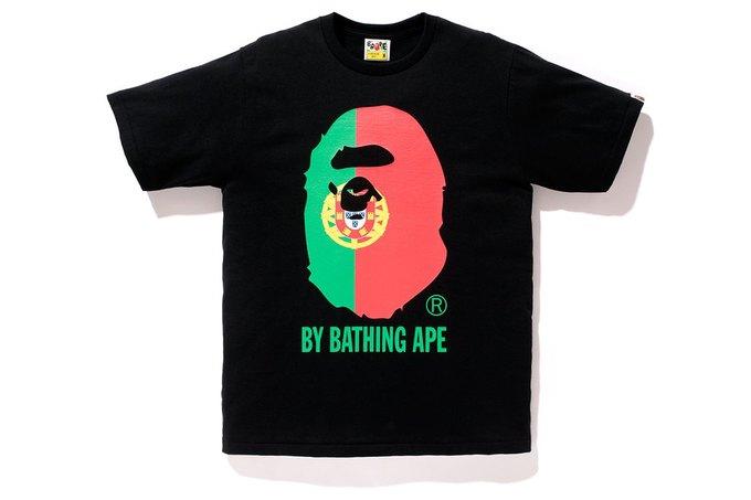 Марка A Bathing Ape представила коллекцию, посвящённую чемпионату мира по футболу в Бразилии. Изображение № 11.