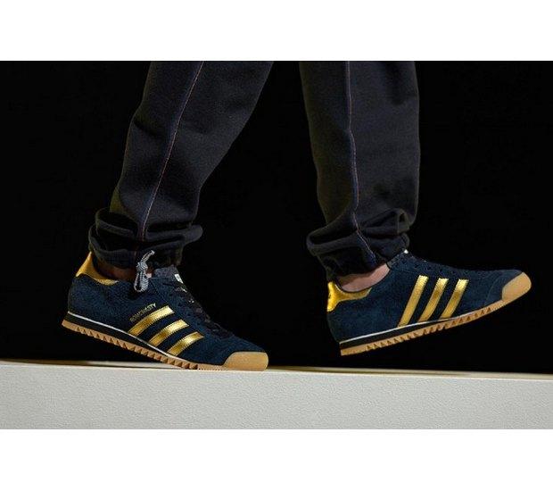 Марка Adidas Originals и дизайнер Казуки Кураиши запустили новую линейку одежды. Изображение № 22.