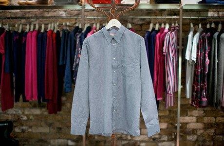 5 красивых продавщиц в магазинах мужской одежды выбирают вещи для парня их мечты. Изображение № 2.