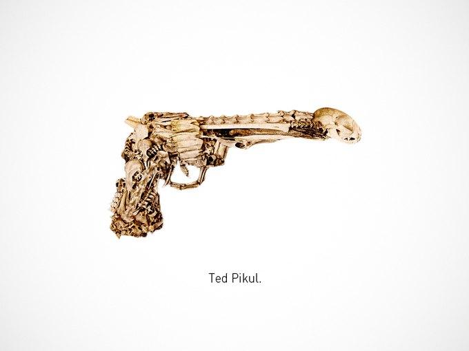 Итальянский дизайнер представил коллекцию плакатов знаменитого оружия. Изображение № 6.