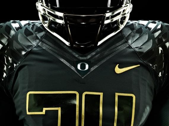 Футуристичная униформа команды Oregon Ducks. Изображение № 4.