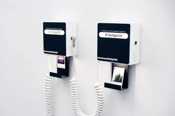 Студия Breakfast разработала мини-принтер для приложения Instagram. Изображение № 2.