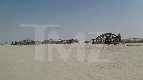 В сеть попали первые снимки со съемочной площадки новых «Звездных войн». Изображение № 11.