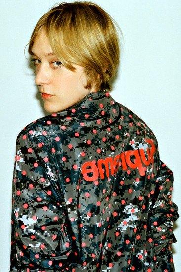 Марки Supreme и Comme des Garcons Shirt выпустили совместную коллекцию одежды. Изображение № 6.
