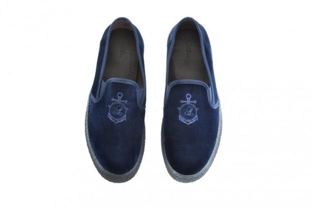Марка A.P.C. представила коллекцию зимней обуви . Изображение № 7.