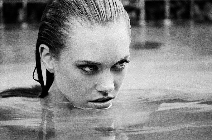 Американская модель Яна Ли сфотографировалась для эротического блога Nowear Land. Изображение № 6.