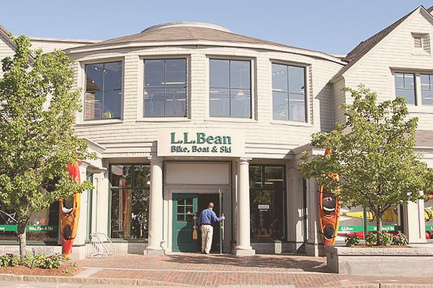 100 лет марке L.L.Bean: История появления знаменитых «лягушек», превратившихся в «ботинко-мобиль». Изображение № 20.