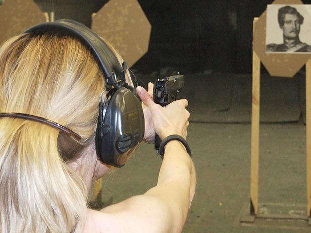Как научиться стрелять из боевого оружия: Репортаж из стрелковой школы. Изображение № 4.