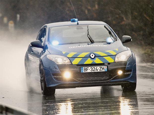 Полицейский беспредел: Самые навороченные авто на службе полиции разных стран. Изображение № 6.
