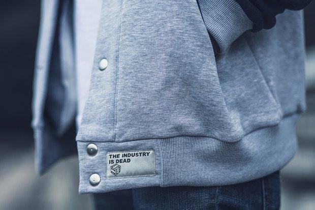 Марка одежды Fiction опубликовала лукбук новой коллекции. Изображение № 16.