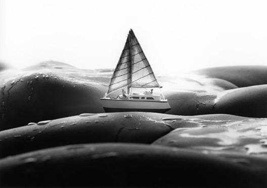 Фотограф Аллан Тегер выпустил серию работ, использовав в качестве пейзажа обнаженные тела. Изображение № 4.
