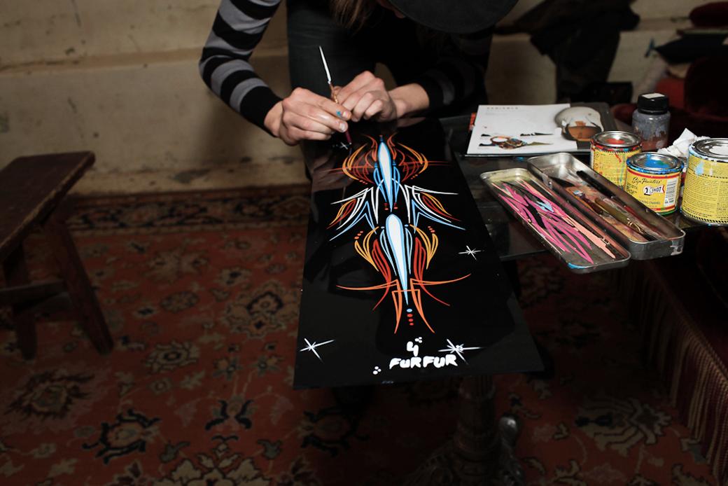 «Пинстрайпинг — это только ты, кисть и краска»: Интервью с художниками-кастомайзерами Freehand Store. Изображение № 10.