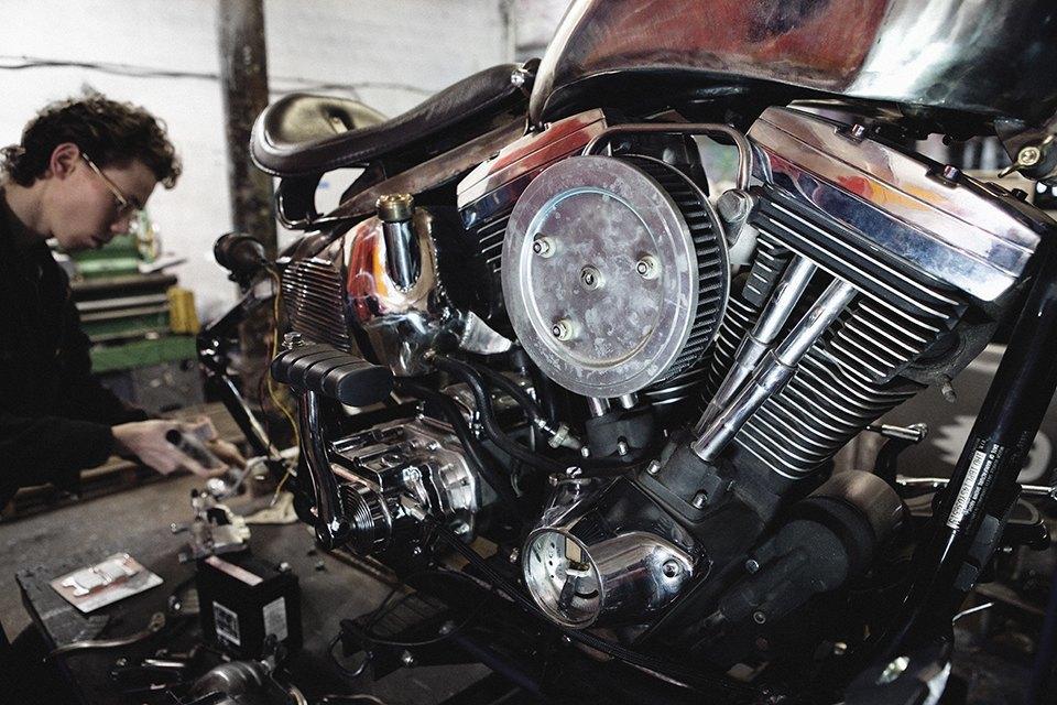 Болгарка, молоток и сварка: Интервью с  Глебом Чёрным, владельцем кастом-ателье мотоциклов . Изображение № 3.