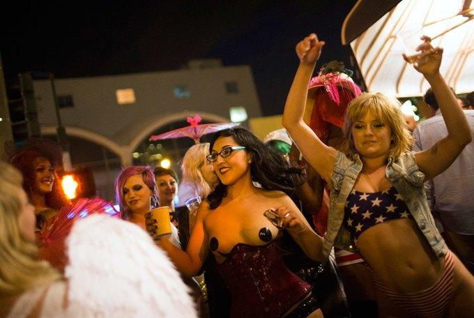 В Сан-Франциско закрылся легендарный стрип-клуб Lusty Lady. Изображение № 13.