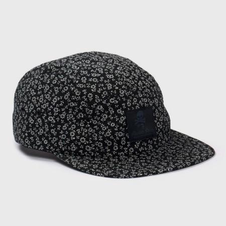 Марка Maiden Noir выпустила новую коллекцию кепок. Изображение №2.