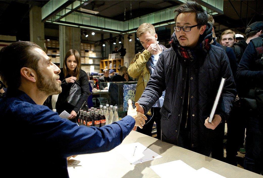 «Между высокой и уличной модой больше нет войны»: Интервью с Мишелем Дюпу, создателем книги All Gonе. Изображение № 2.