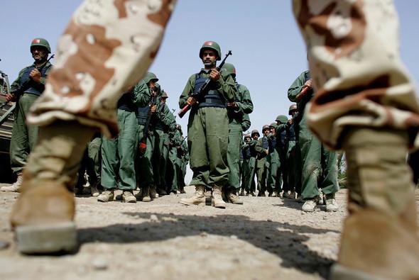 Военное положение: Одежда и аксессуары солдат в Ираке. Изображение № 69.