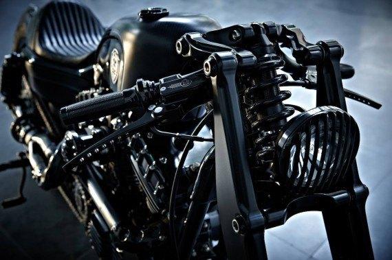Мастерская  Rough Crafts представила кастомный мотоцикл на базе Harley-Davidson. Изображение № 14.