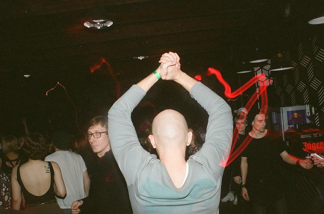 Фоторепортаж: Техно-зомби, модники и люди в чёрном на рейве Body. Изображение № 11.
