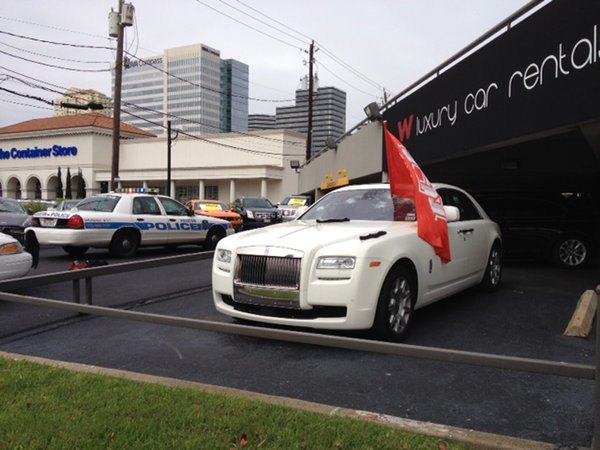 Голый техасец расстрелял автомобилей на 200 тысяч долларов. Изображение № 6.