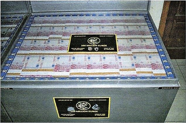 Опубликованы фотографии 20 миллиардов евро Каддафи из аэропорта Шереметьево. Изображение № 2.
