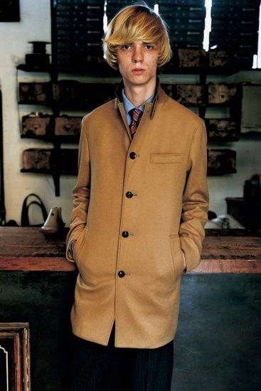 Марка Sophnet выпустила лукбук осенней коллекции одежды. Изображение № 3.