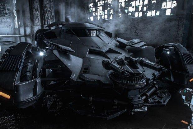 Опубликованы фото нового бэтмобиля из фильма «Бэтмен против Супермена». Изображение № 2.