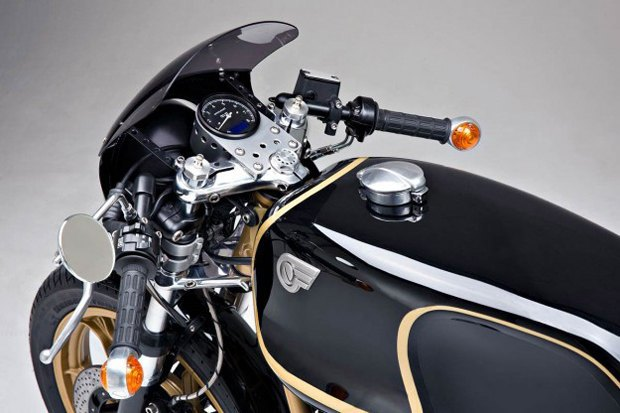Мастерская Kaffeemaschine собрала каферейсер  на базе Moto Guzzi Le Mans. Изображение № 1.