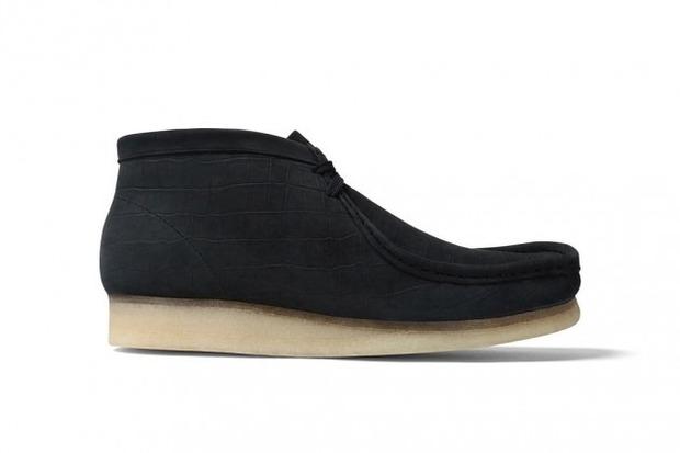 Марки Supreme и Clarks выпустили совместную модель ботинок Wallabee. Изображение № 5.