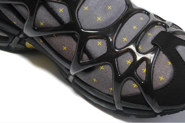 10 самых спорных моделей кроссовок 2011 года. Изображение № 40.