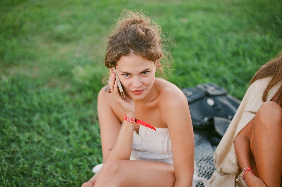 Красивые девушки на Пикнике «Афиши». Изображение № 2.