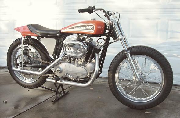 История и особенности мотоциклов для гонок по грязевому овалу —флэт-трекеров. Изображение № 16.