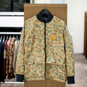 5 красивых продавщиц в магазинах мужской одежды выбирают вещи для парня их мечты. Изображение № 12.