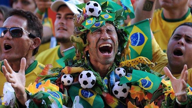 Во что наряжаются болельщики нынешнего чемпионата мира. Изображение № 13.