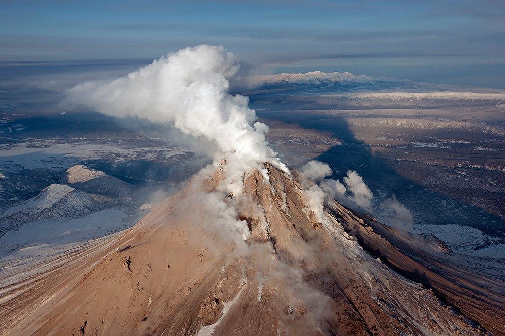Фотопроект: 10 лет катания по самым экстремальным горам планеты . Изображение № 6.