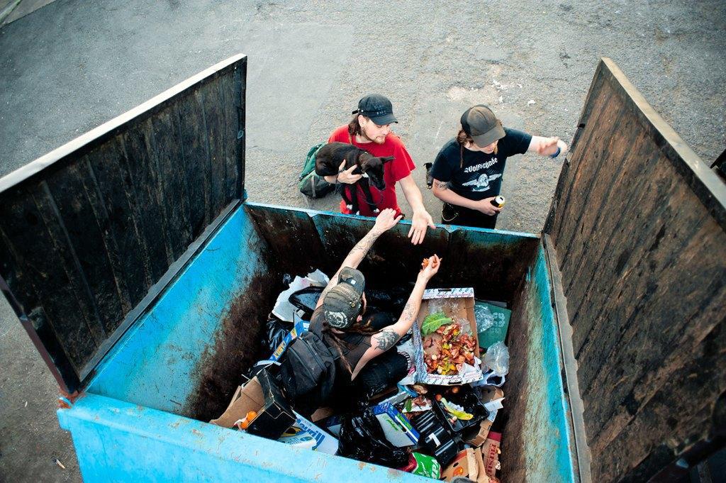 Как британские подростки создают панк-сообщества в заброшенных домах. Изображение № 6.