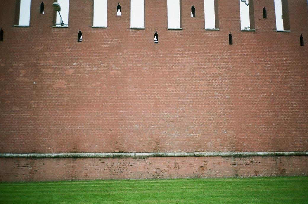 Эксперимент FURFUR: Снимки улиц Москвы как способ разнообразить мужской гардероб. Изображение № 14.