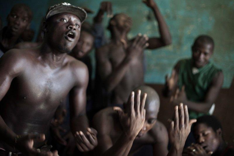 Как подростки Сьерра-Леоне годами живут в тюрьме в ожидании суда по их делу. Изображение № 20.