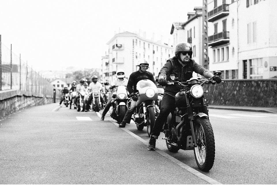 Фоторепортаж с мотоциклетного фестиваля Wheels & Waves. Изображение № 9.