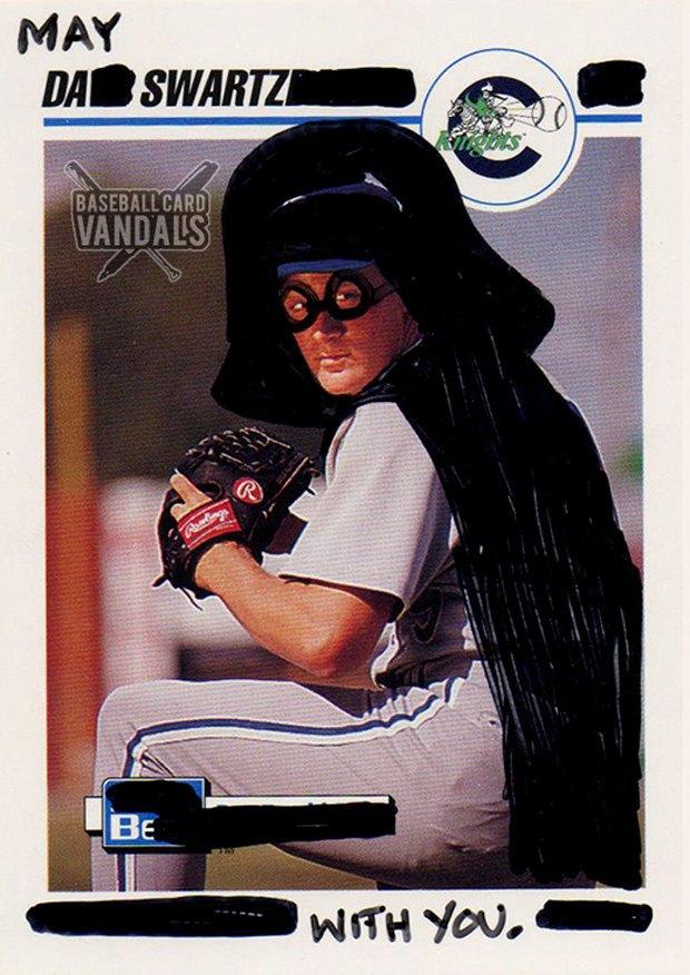 Baseball Card Vandals: Художники иронизируют над спортивными коллекционными карточками. Изображение № 29.
