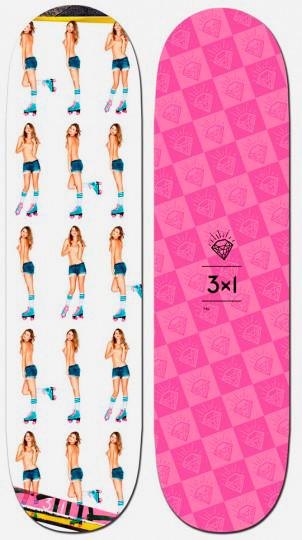 Марка 3x1 выпустила коллекцию дек для скейтбординга с обнаженными моделями. Изображение № 2.