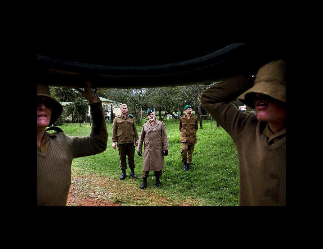 Как подростков ЮАР обучают межрасовой войне в националистических лагерях . Изображение № 2.