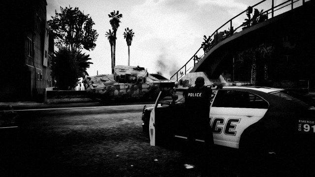 Агентство Media Lense: Фоторепортажи из горячих точек и бандитских районов в GTA V Online. Изображение № 19.