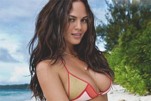Модель Кейт Аптон снялась в рекламе купальников марки Beach Bunny . Изображение № 15.