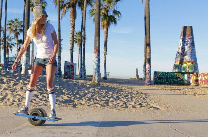 Американцы изобрели одноколёсный скейт на электродвигателе. Изображение № 1.