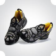 10 самых спорных моделей кроссовок 2011 года. Изображение № 38.